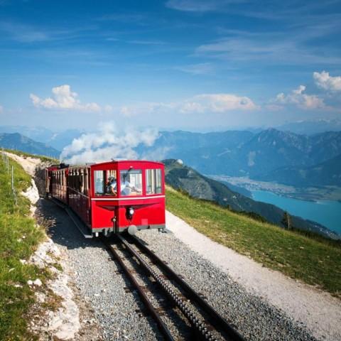 Mit der Schafbergbahn auf den Schafberg fahren